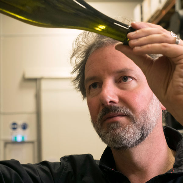 Jeremy Dineen wine judge